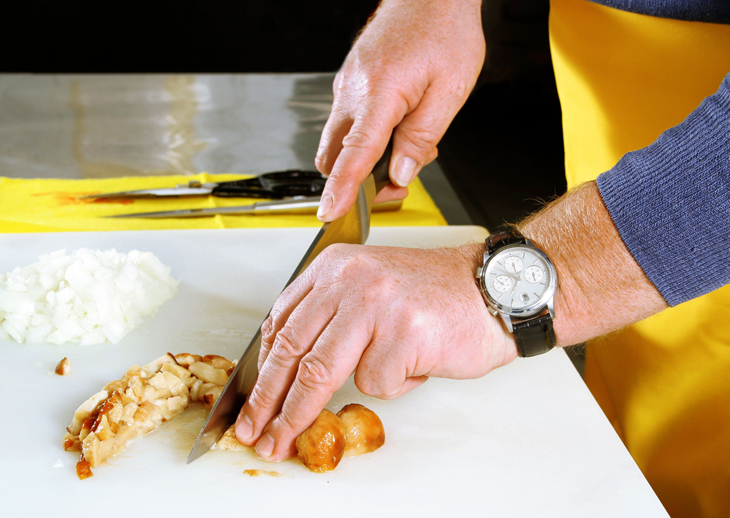 tips to avoid bare hand contact with food respro food safety